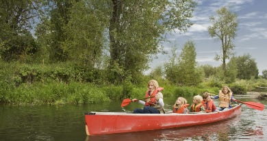 Children canoeing - 390 x 240