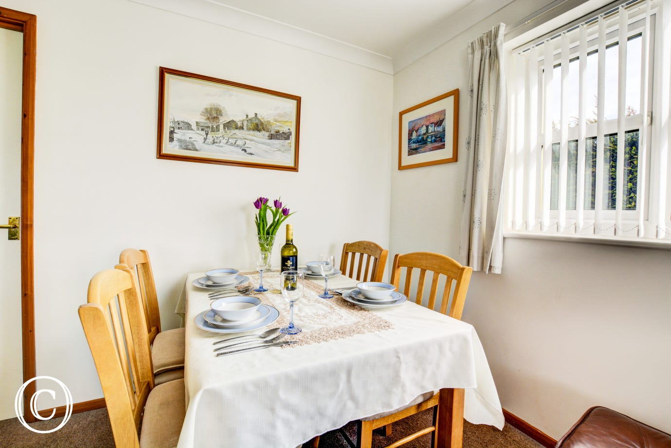 The convenient dining area within the sitting room