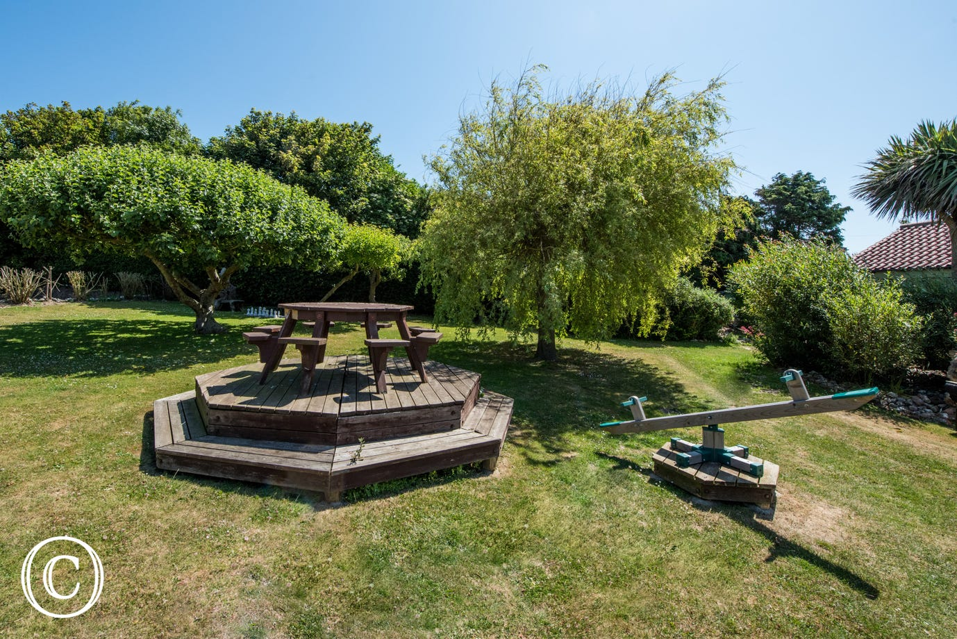 Each cottage has its own private area with table, chairs and a gas barbecue, perfect for al fresco dining. There is also shared use of the extensive gardens with a summerhouse, outdoor chess set and swing ball