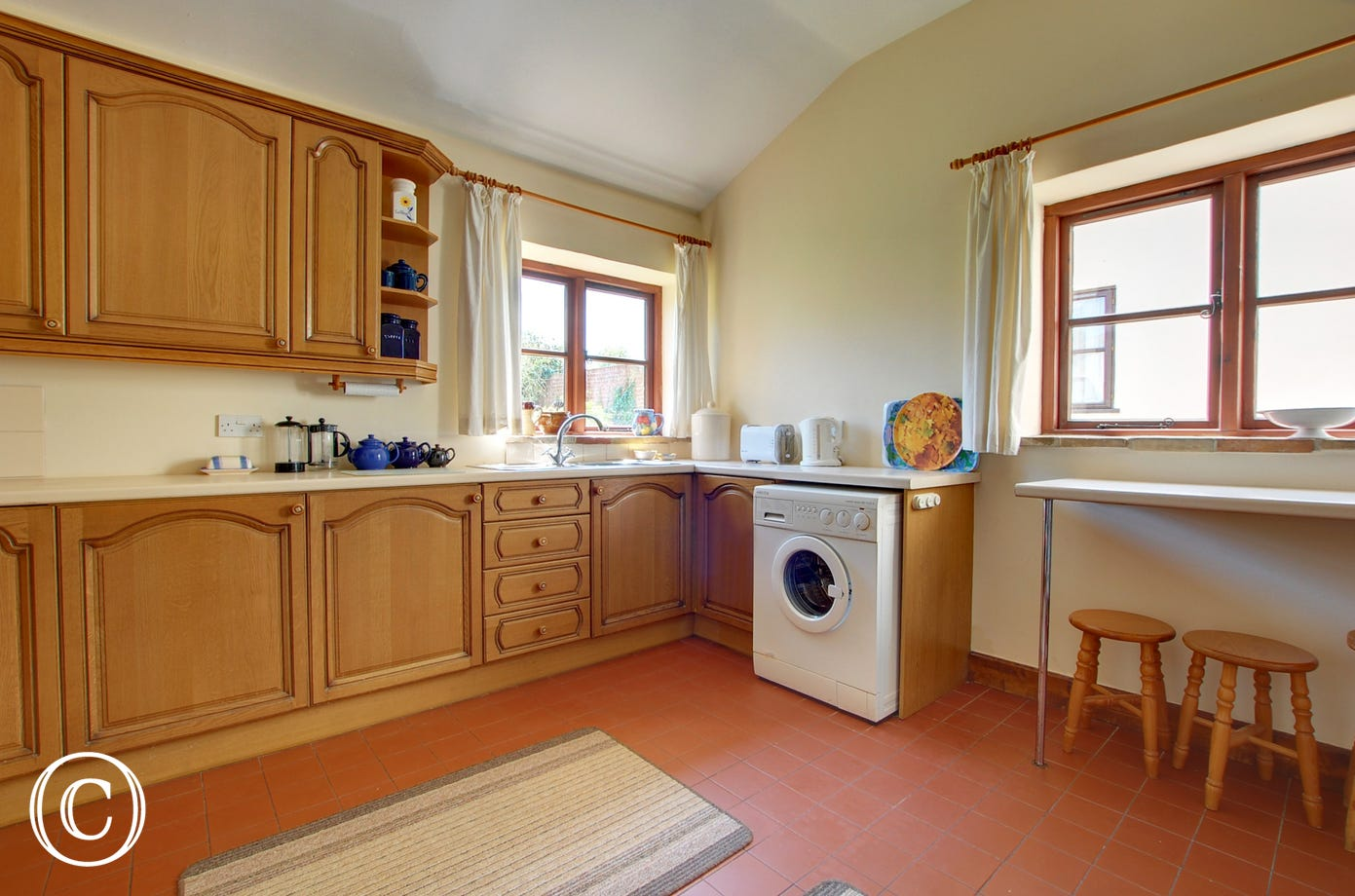 Bright, spacious, country style kitchen with the added bonus of a ground floor cloakroom