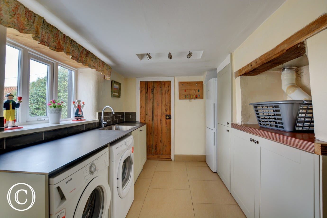 Well equipped with the added bonus of an utility room and a downstairs WC