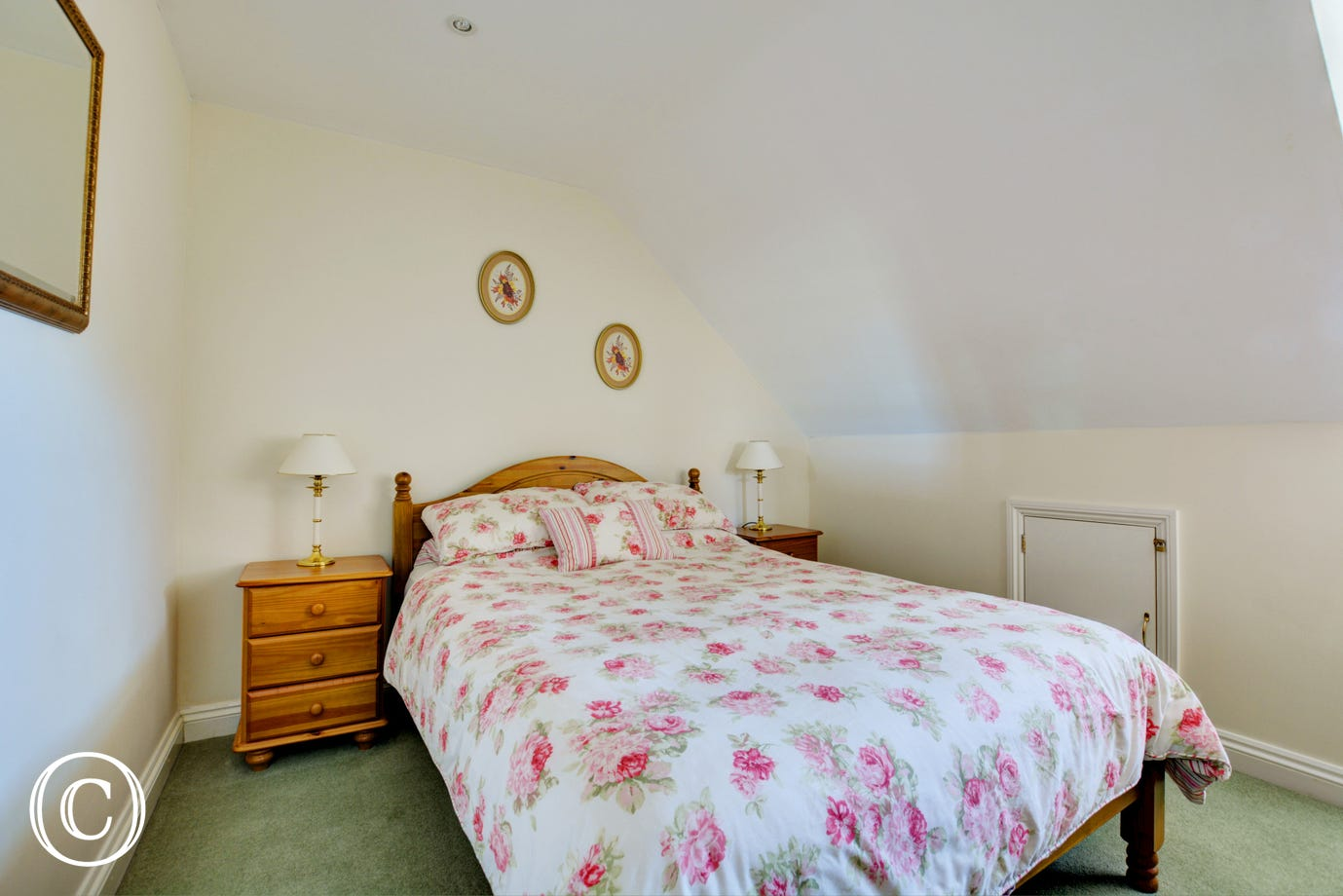 Pleasant double bedroom with a double bed