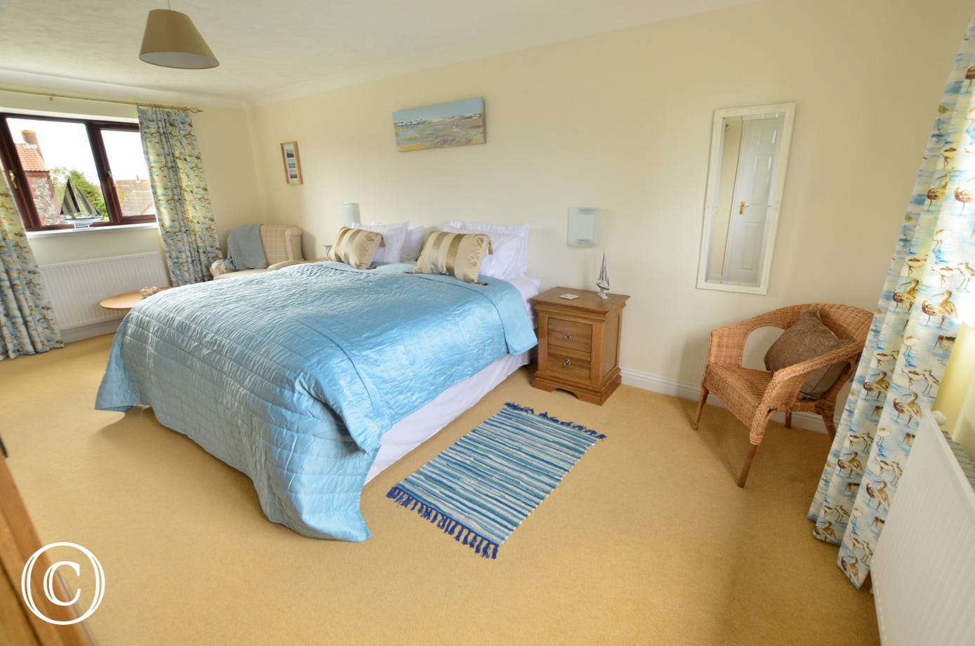 Spacious double bedroom with zip and link twin beds which can be set up as a super king