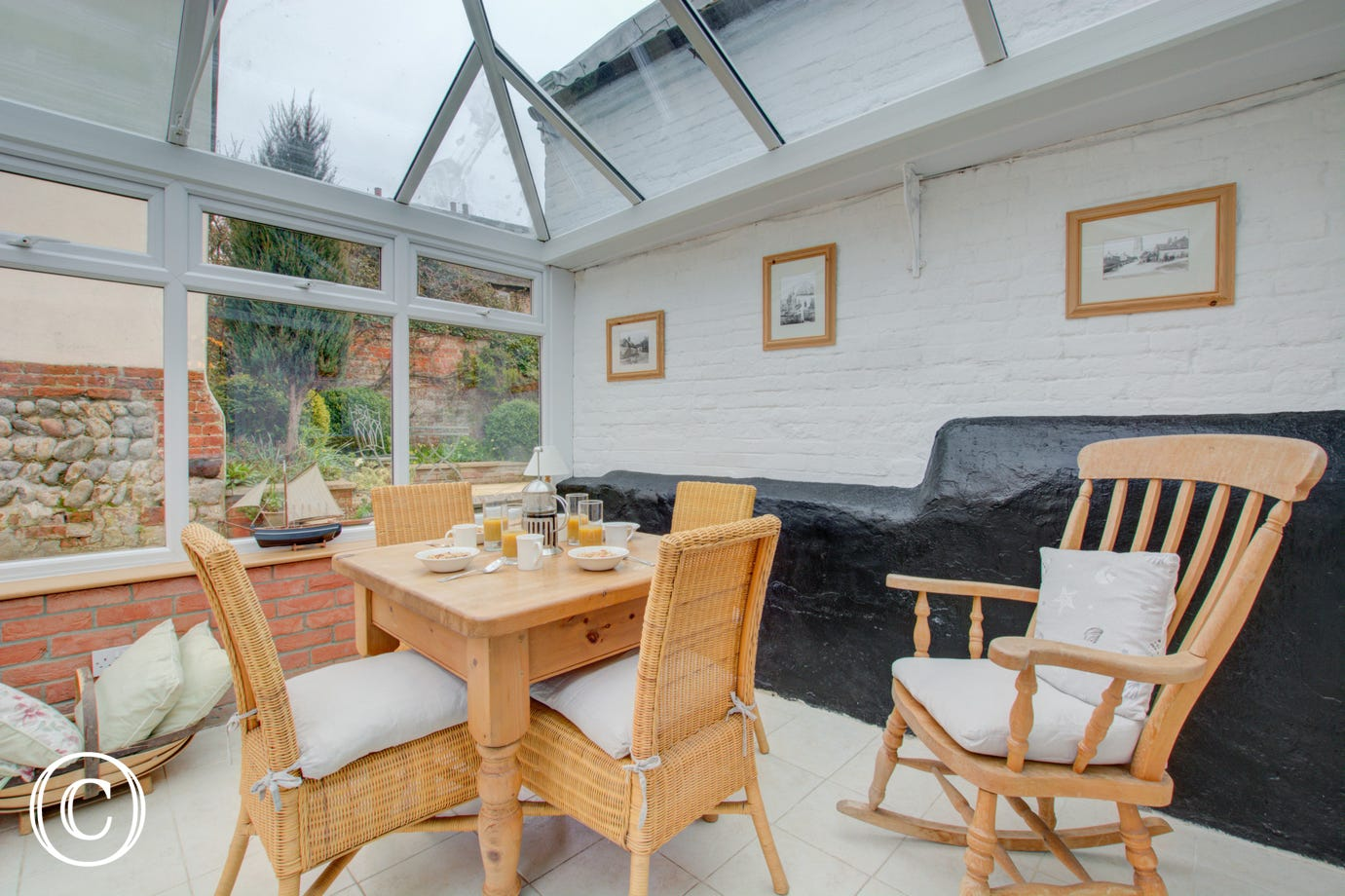 This property benefits from a lovely conservatory