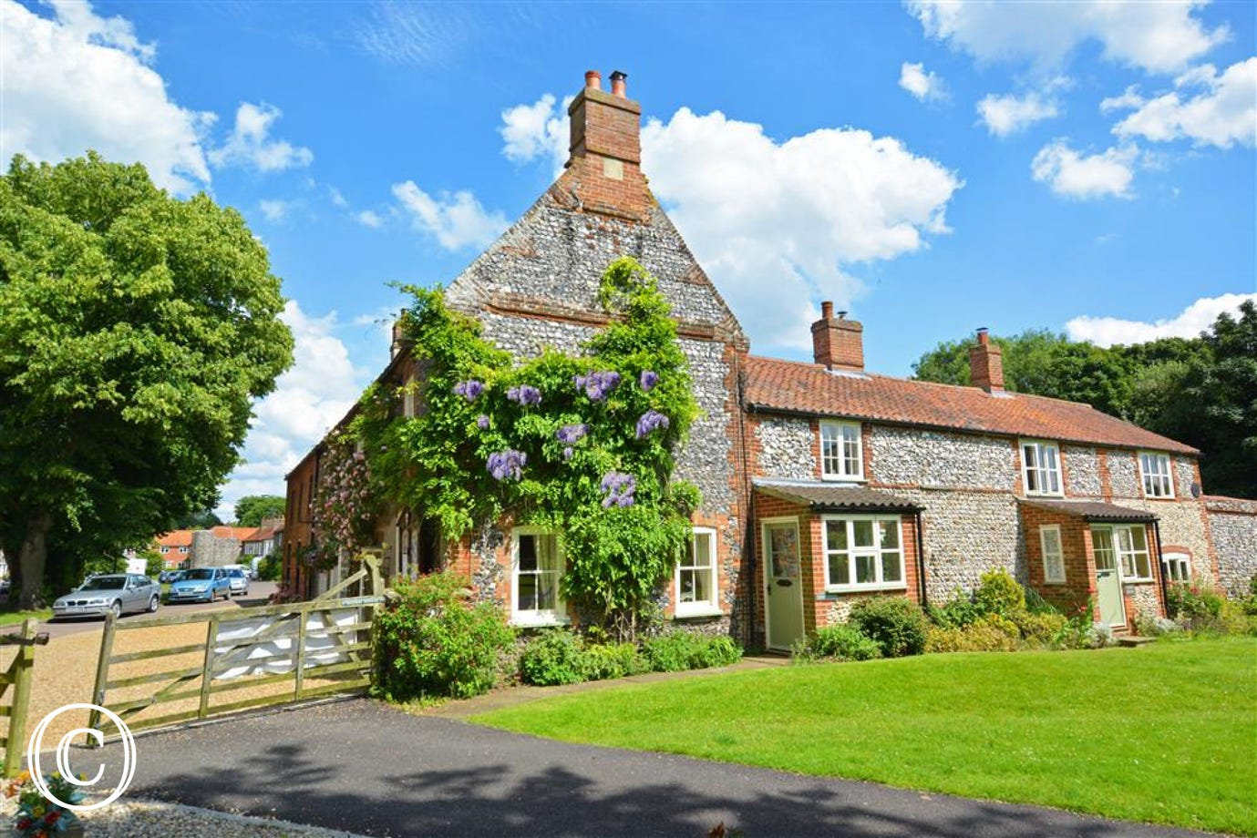 Exterior image of this delightful grade II listed cottage,
