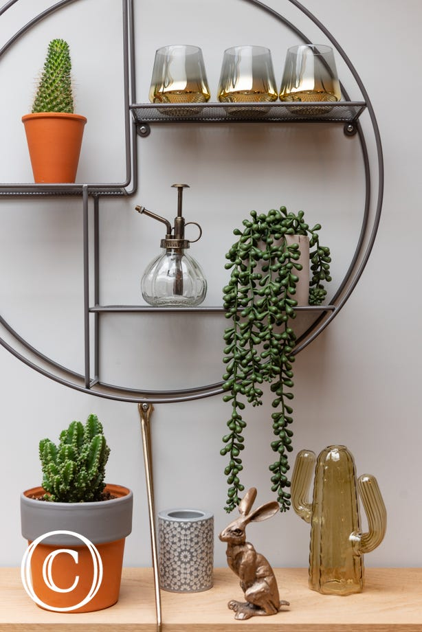 Feature shelving