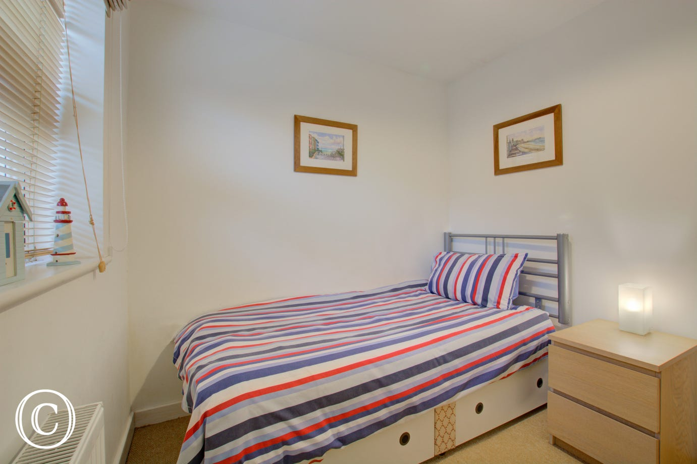 Single bed in bedroom 3