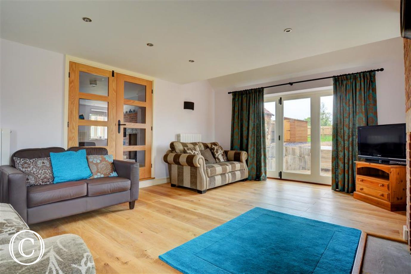 Lovely spacious sitting room