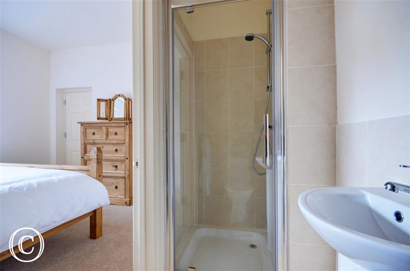 The en-suite to the main bedroom