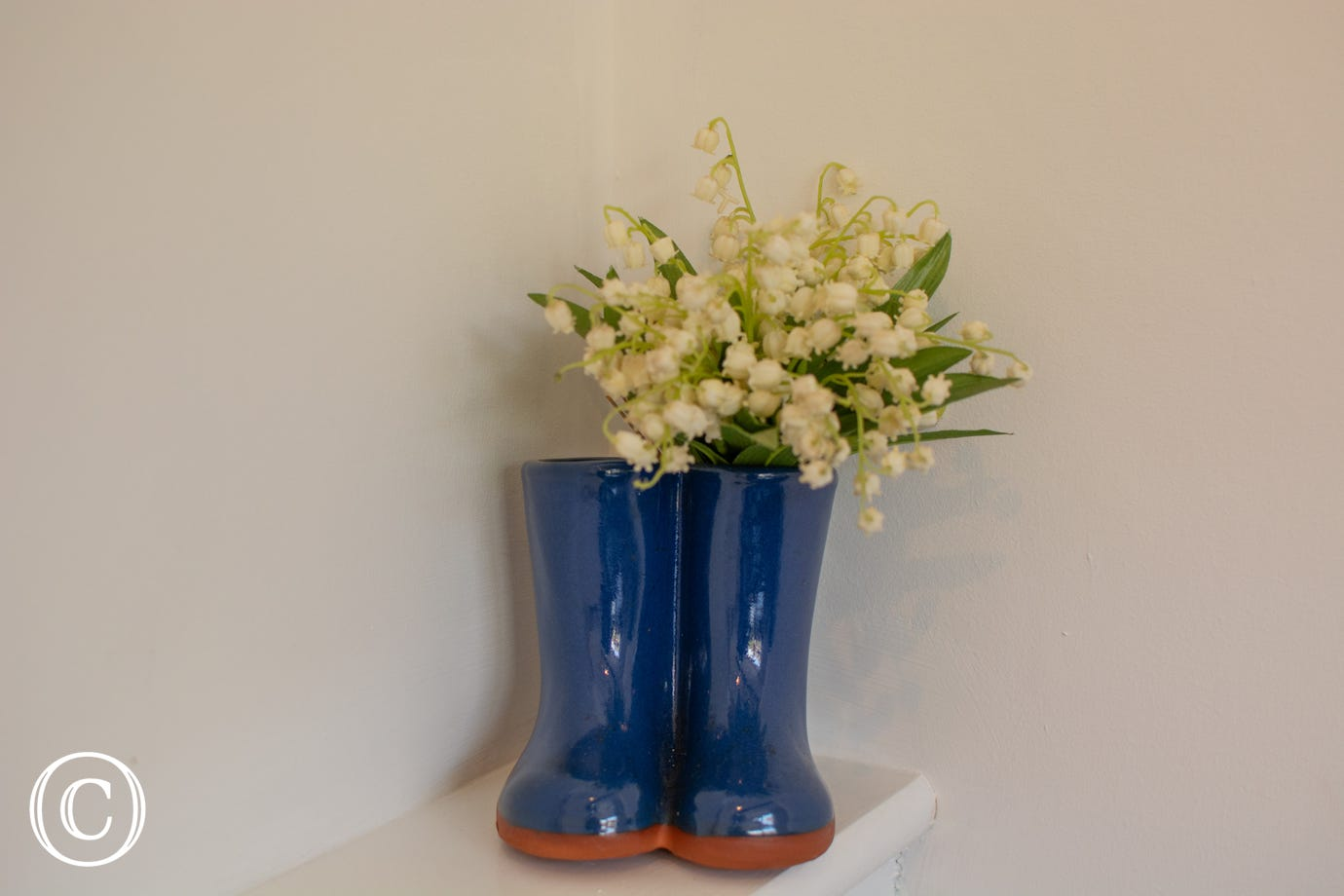 Laburnum House - Feature vase