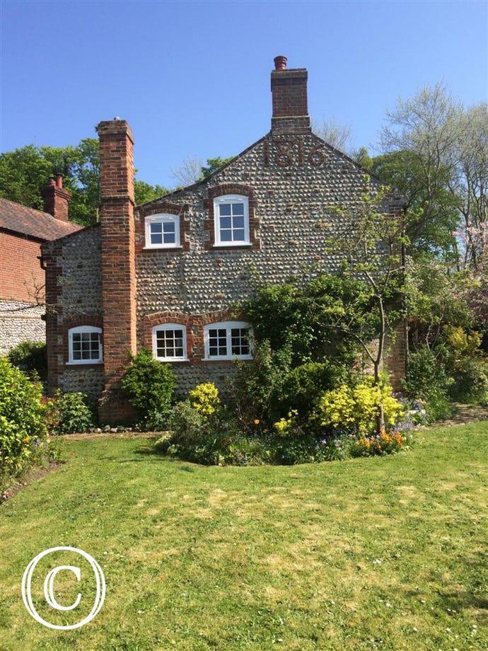 20 Nice Cottage Bathroom Tile Ideas And Pictures: Norfolk Cottages