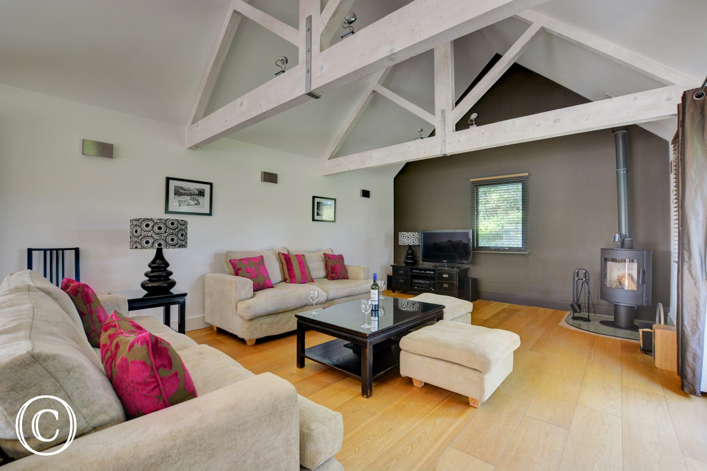 Taylors Barn - Attractive and spacious Sitting Area