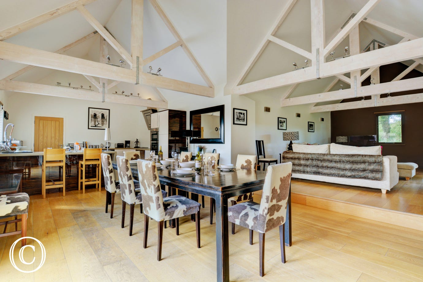 Dining table and chairs, perfect for a social meal at the end of a busy day exploring!