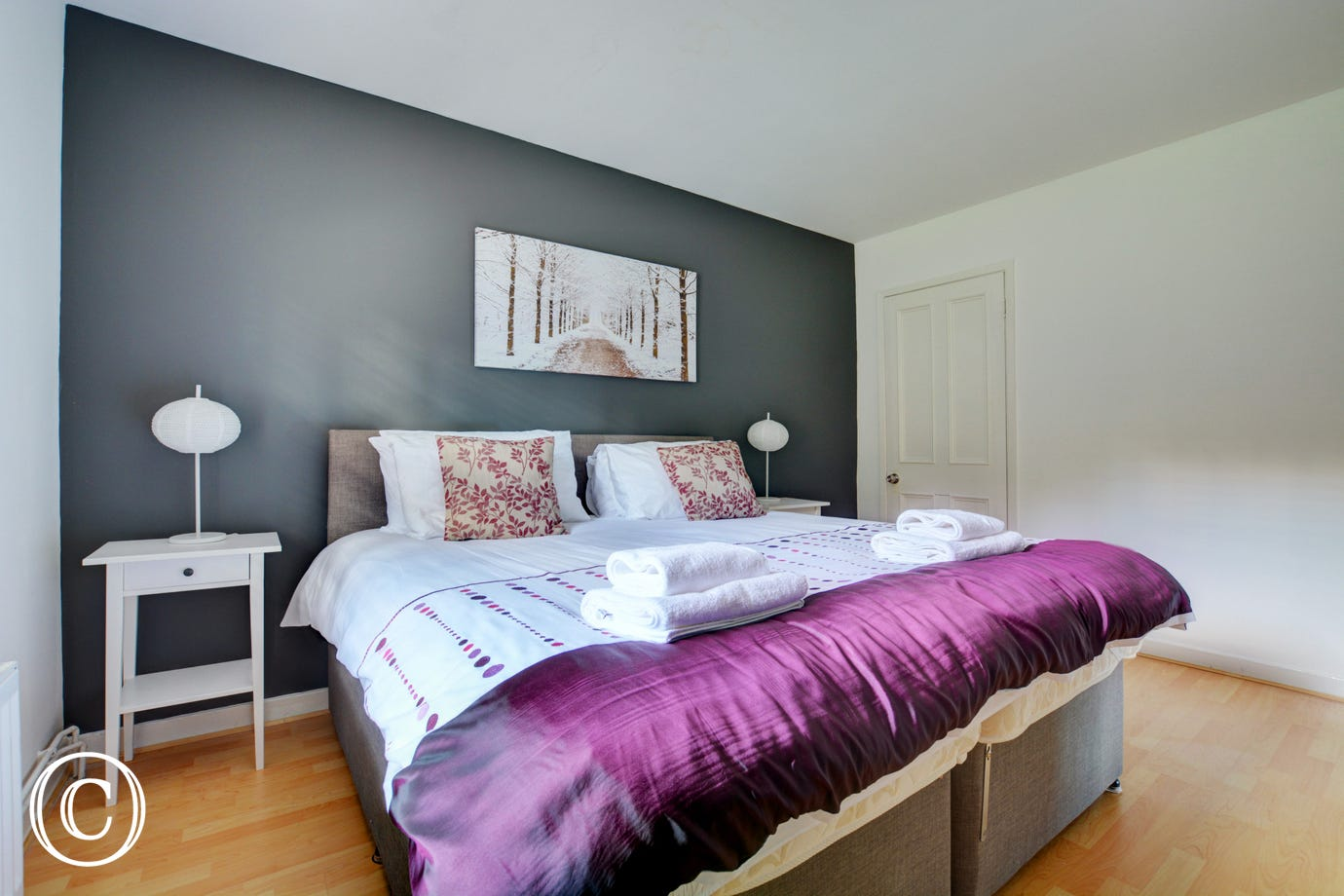 Modern and comfortable bedroom 2 with with zip & link bed that can be converted into twin beds, please request on booking