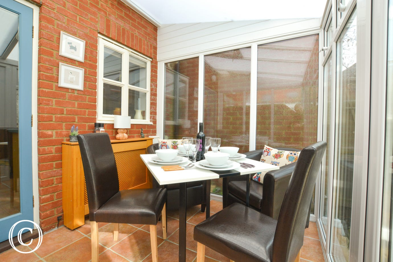 Dining Room/Conservatory with table and chairs