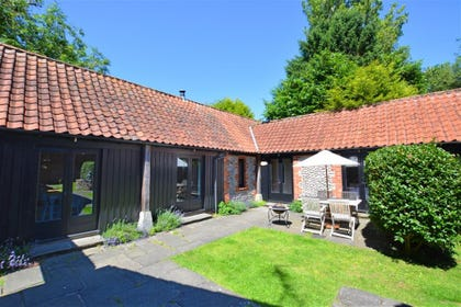 Exterior image of this pretty barn conversion