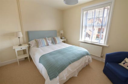 Stunning bedroom with attention to detail, with a king sized bed, which can also be converted into twin beds.