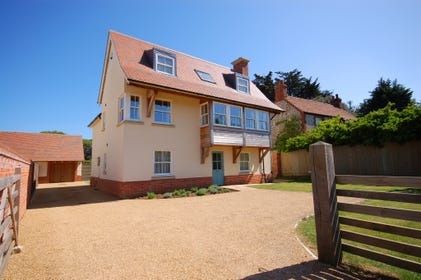 This stunning, spacious, detached property provides a high specification and high standard holiday home