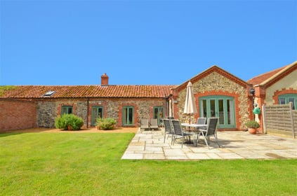 These beautifully restored former farm buildings now offer this stunning holiday accommodation