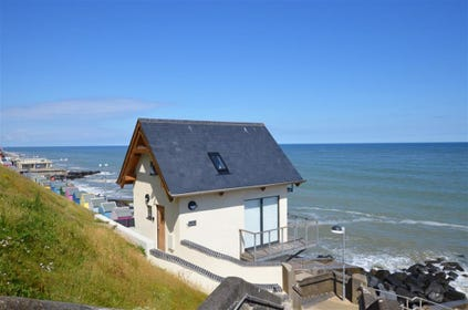 Exterior image of this amazing property situated on the cliff at Sheringham