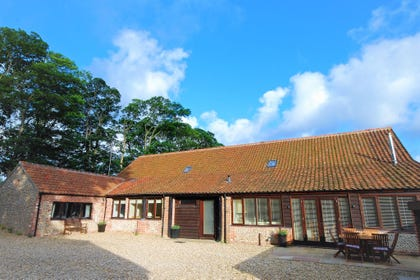 Attractive exterior of Bixes Barn