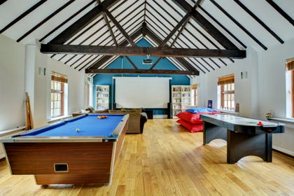 Games Room with plenty to keep everyone entertained!
