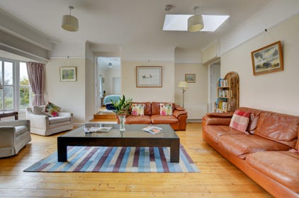 Stylishly attractive sitting room, light and bright open space.