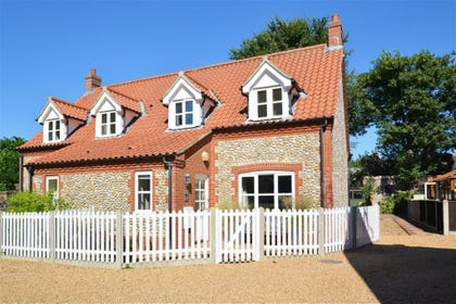 Exterior image of this beautiful property in the stunning coastal village of Blakeney